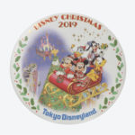 TDR Christmas 2019 Retro Goods Tin Badge